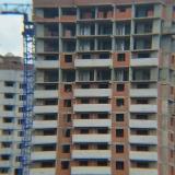 Салават Купере: Дом 13-4, строители в работе (фото 16 августа 2015)